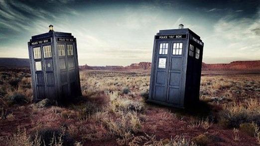 Doctor-Who-TARDIS-Comparison-10th-11th-570x320